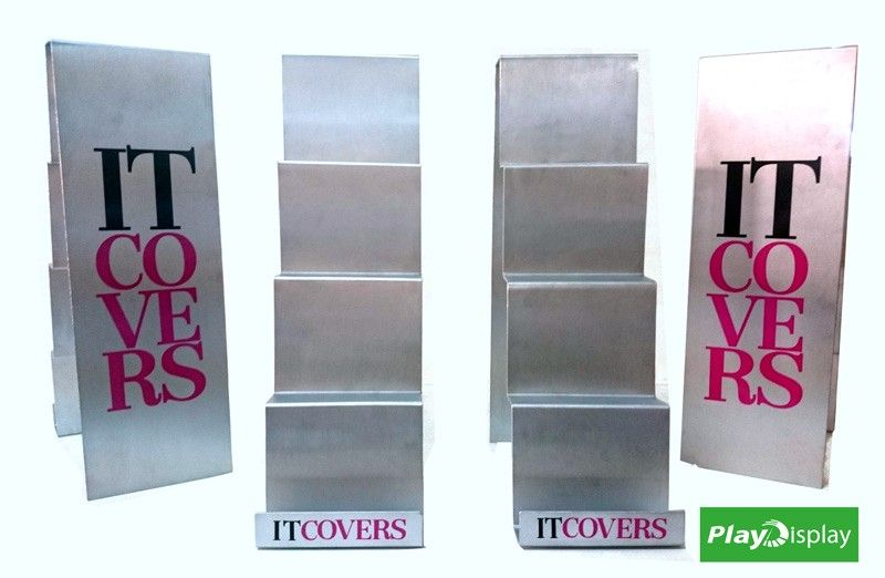 Expositores fabricados a medida para It Covers
